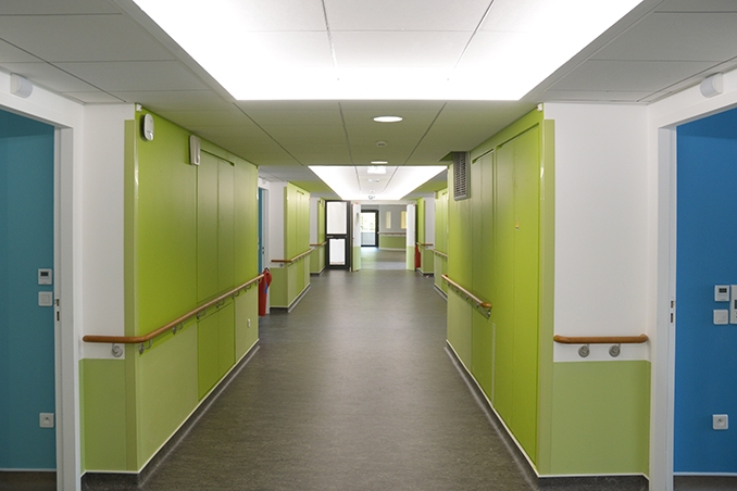 EHPAD couloir.jpg
